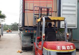 Bàn giao container 40 feet tấm da cửa 6mm kháng ẩm lõi xanh phủ tần bì cho đơn vị bạn tại Đại Lộ Thăng Long, Hà Nội